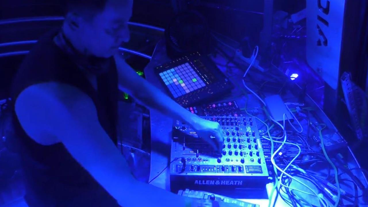Dubfire - Live @ Ultra Music Festival Miami 2016, Resistance Stage