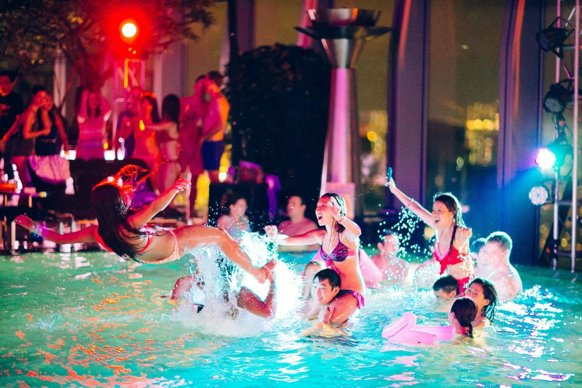 Pool partys mp4 images 86