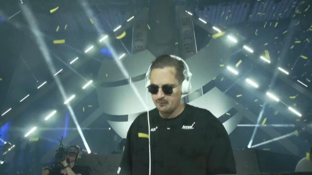 Robin Schulz - Live @ World Club Dome 2019 Mainstage