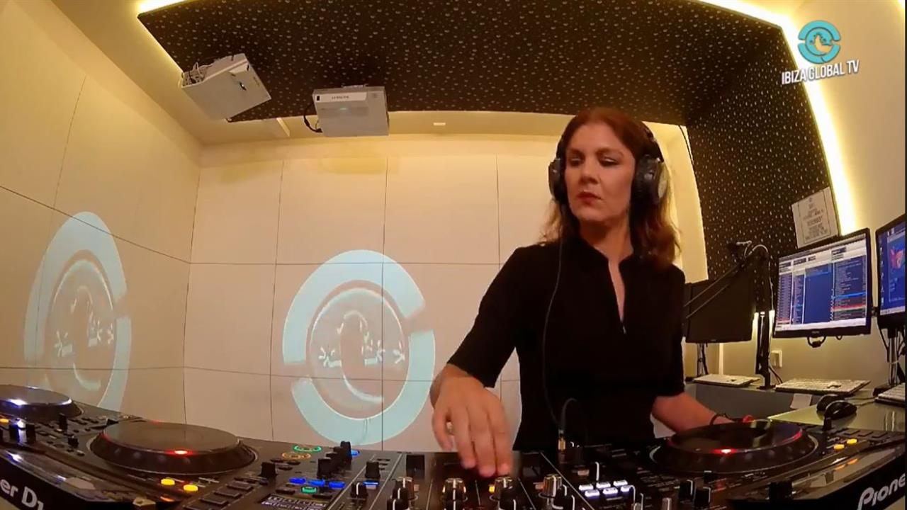 Davina Moss - Live @ Moss Y Mass Radio Show [