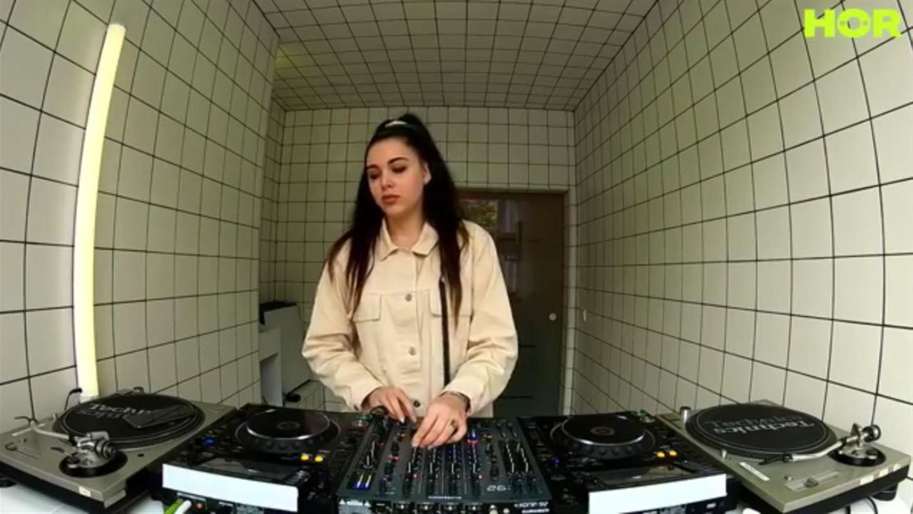 Clara Cuve - Live @ TTT X HÖR BERLIN 2020
