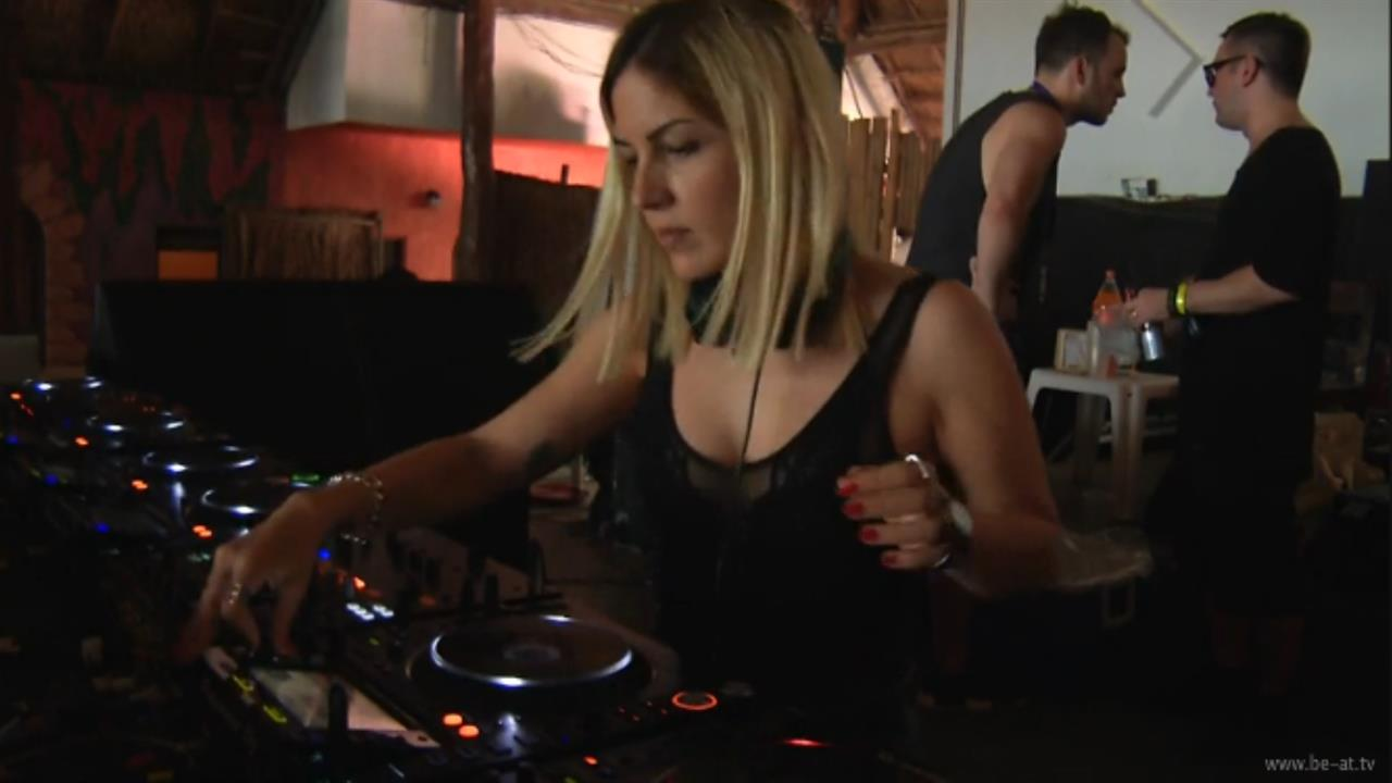 Anna Tur - Live @ The BPM Festival 2017, Pacha Insane and Fact, Wah Wah Beach Bar