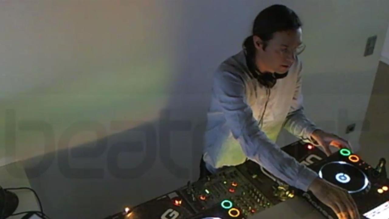 Roman Fluegel - Live @ Beatport 2013