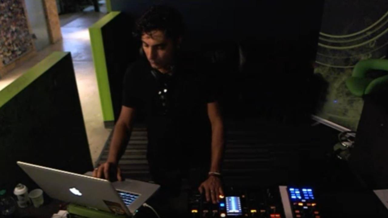 Omid 16B - Live @ Beatport 2013